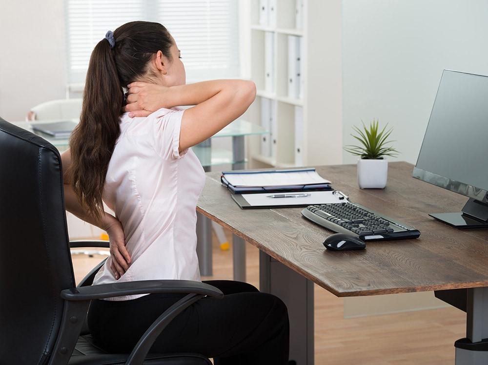 Bolovi usled rada na računaru – zašto nastaju i kako ih lečiti