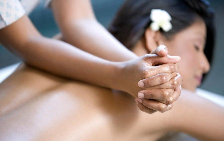 Masaže pri ublažavanju tegoba